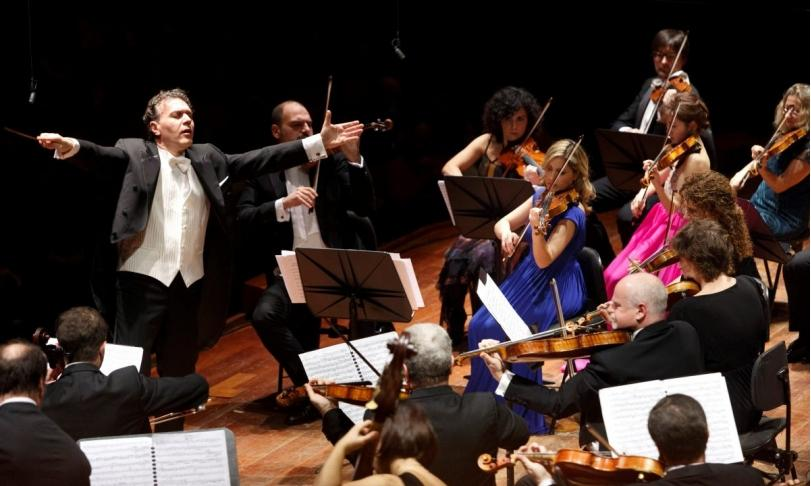 Review Archi di Santa Cecilia & Luigi Piovano – Tchaikovsky & Dvořák: Serenades