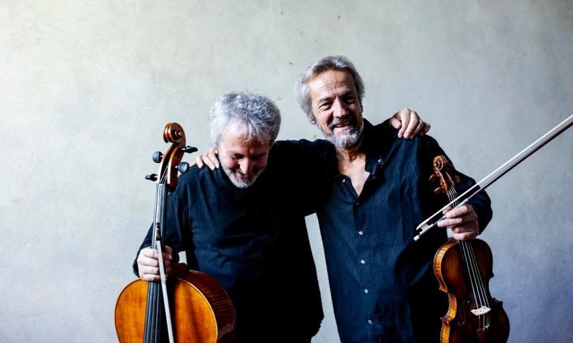 Review Giuliano Carmignola, Mario Brunello, Accademia dell'Annunciata & Riccardo Doni - Bach & Vivaldi: Sonar in ottava. Double Concertos for Violin and Violoncello Piccolo