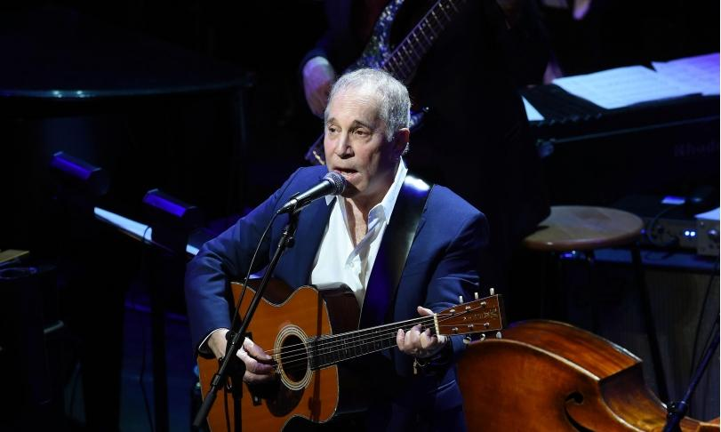 Review Paul Simon – In The Blue Light