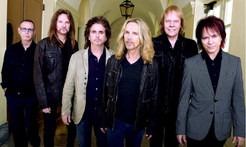 Review Styx - Crash Of The Crown