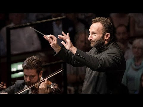 Video Berliner Philharmoniker & Kirill Petrenko - Beethoven: Symphony No. 7