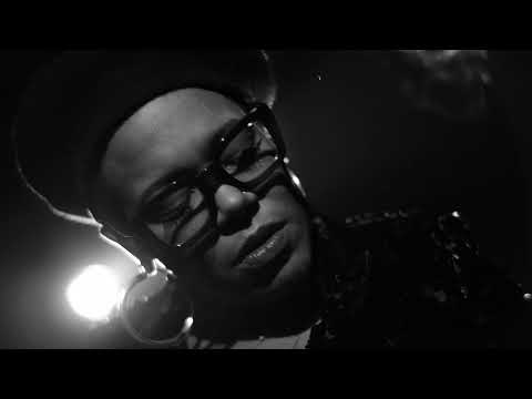 Video China Moses '& The Vibe Tribe - Nicotine