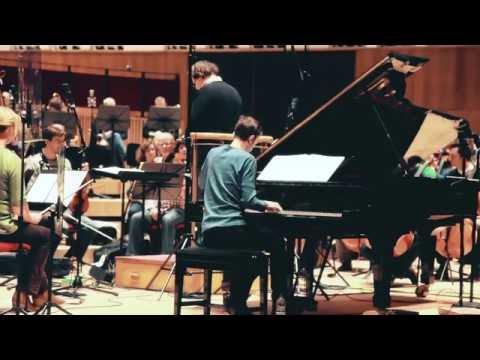 Video Alexandre Tharaud Records Rachmaninov Piano Concerto No.2