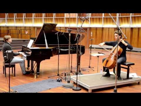 Video Leonard Elschenbroich & Petr Limonov - Alfred Schnittke: Musica Nostaligica