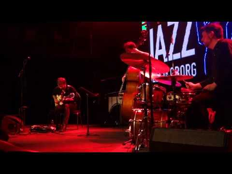 Video Andreas Hourdakis Trio - Moonshiner, live at Tivoli Helsingborg