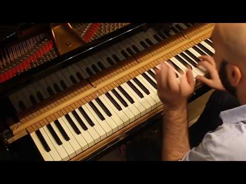 Video Alessandro Deljavan - Johann Sebastian Bach: Praeludium in D Minor, BWV 926 (Trailer)