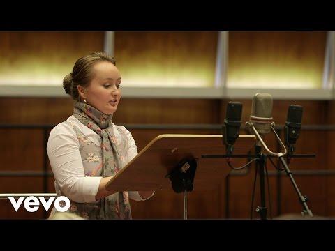 "Video Julia Lezhneva - ""La gloria t'invita"" from Armida"