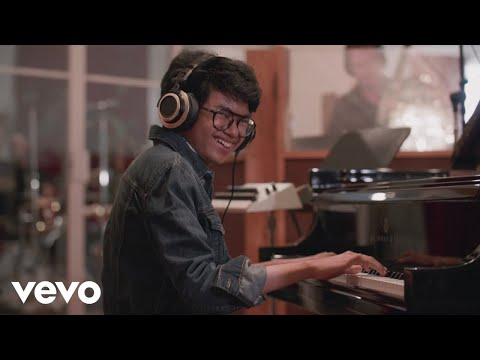 Video Joey Alexander - Warna
