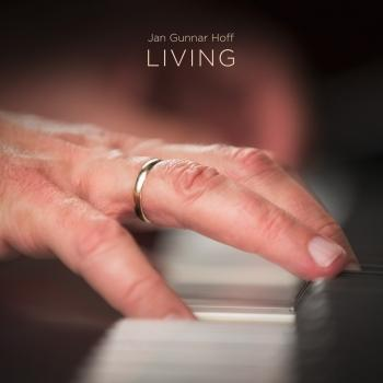 Cover Living