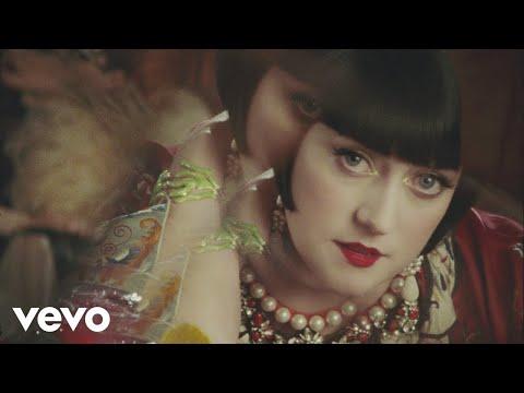 Video Hailey Tuck - Alcohol