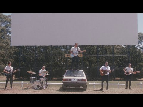 Video Rolling Blackouts Coastal Fever - Cars In Space