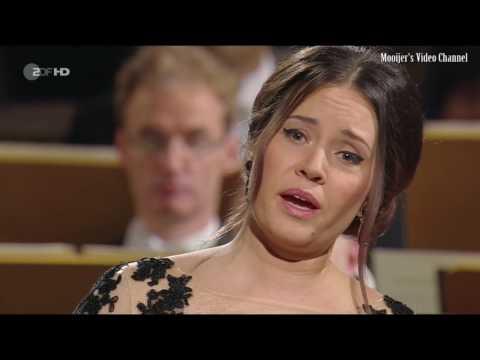 Video Sonya Yoncheva - Georg Friedrich Händel (Rinaldo - Lascia ch'io pianga)
